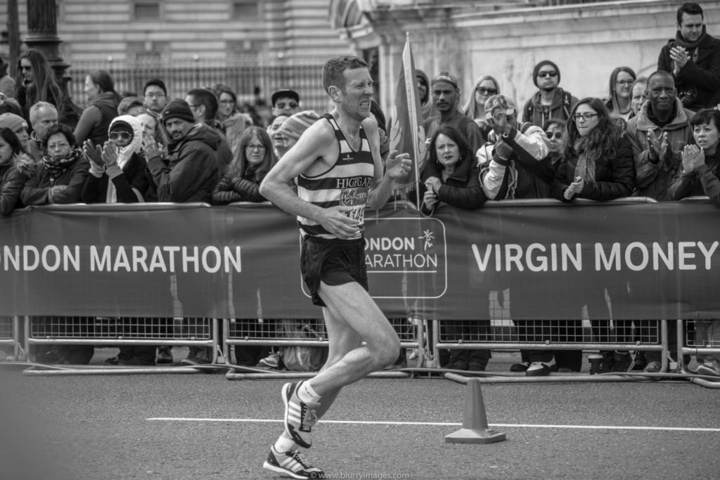 Runner struggling in London's Marathon 2016